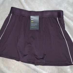 Nike court dry burgundy skort medium